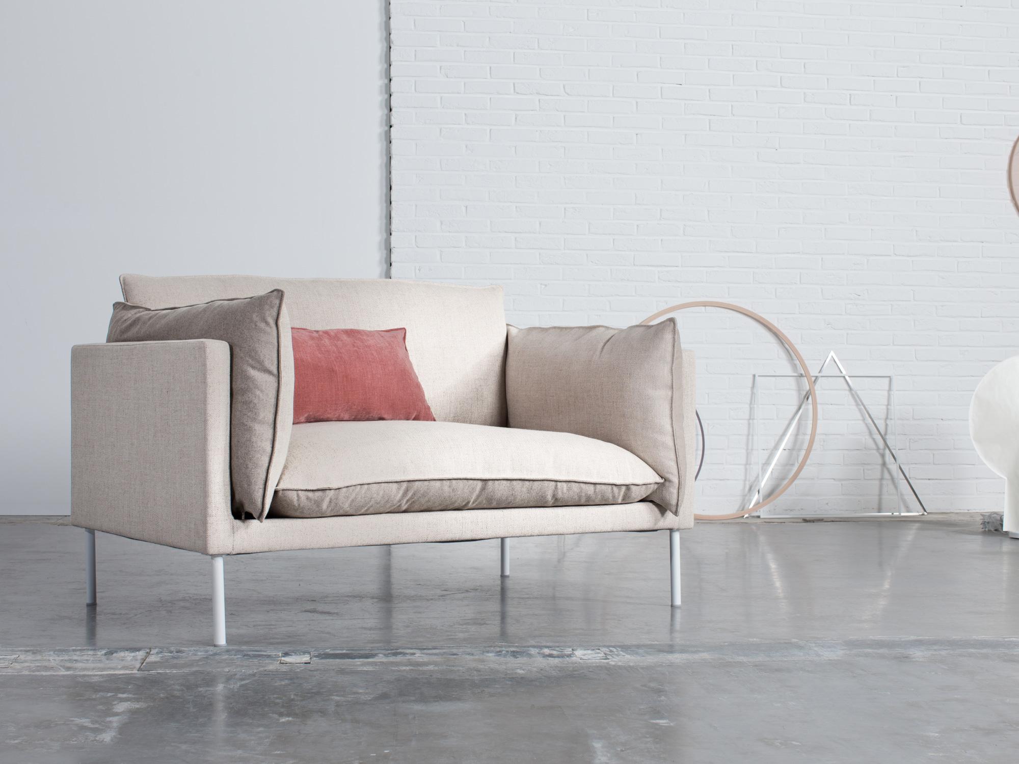 journuit nouvelle marque de canap s personnalisables. Black Bedroom Furniture Sets. Home Design Ideas