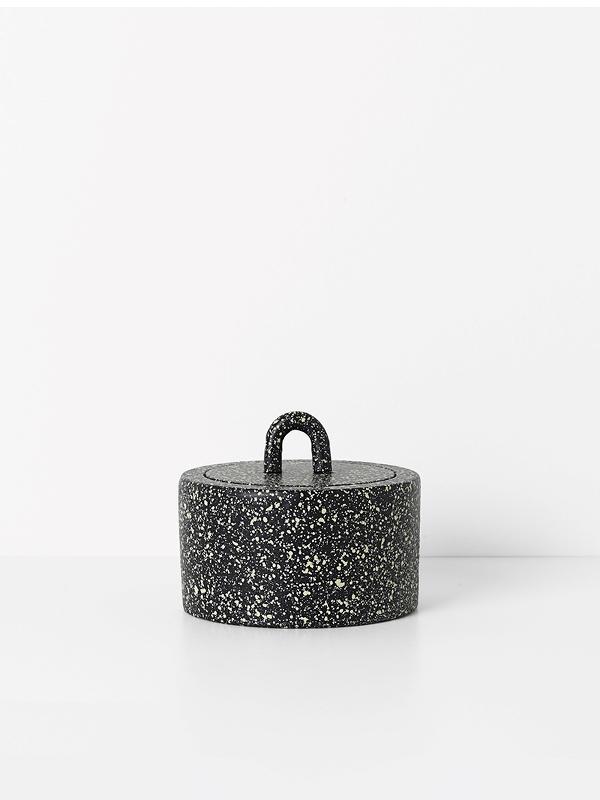 noir-jar-ferm