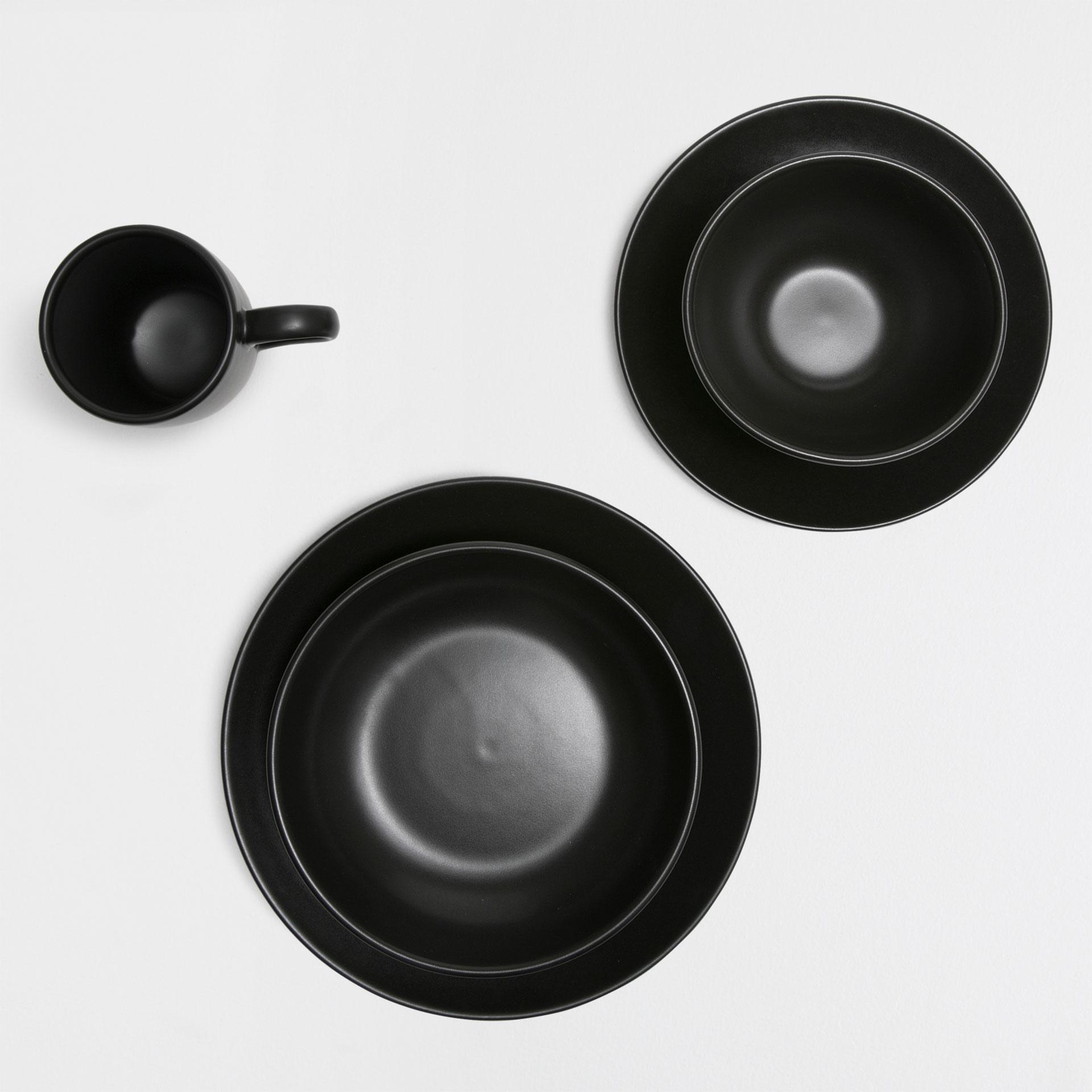 noir-vaisselle-zara