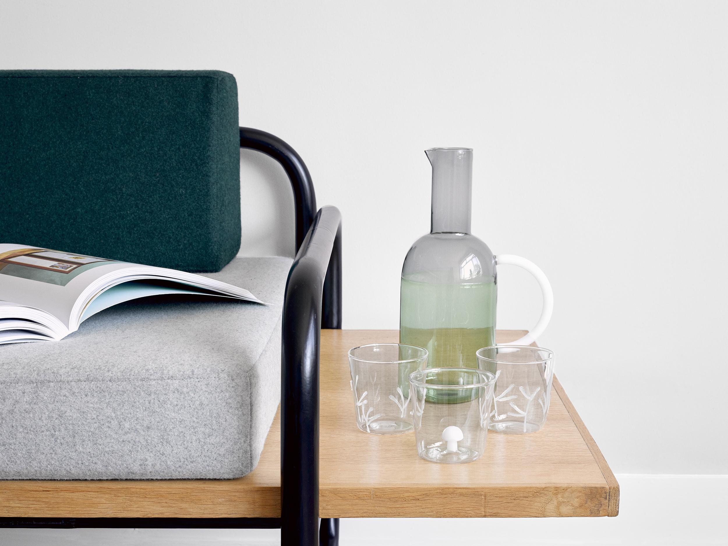 A line story l 39 e shop la crois e du design et de l for Difference design et artisanat