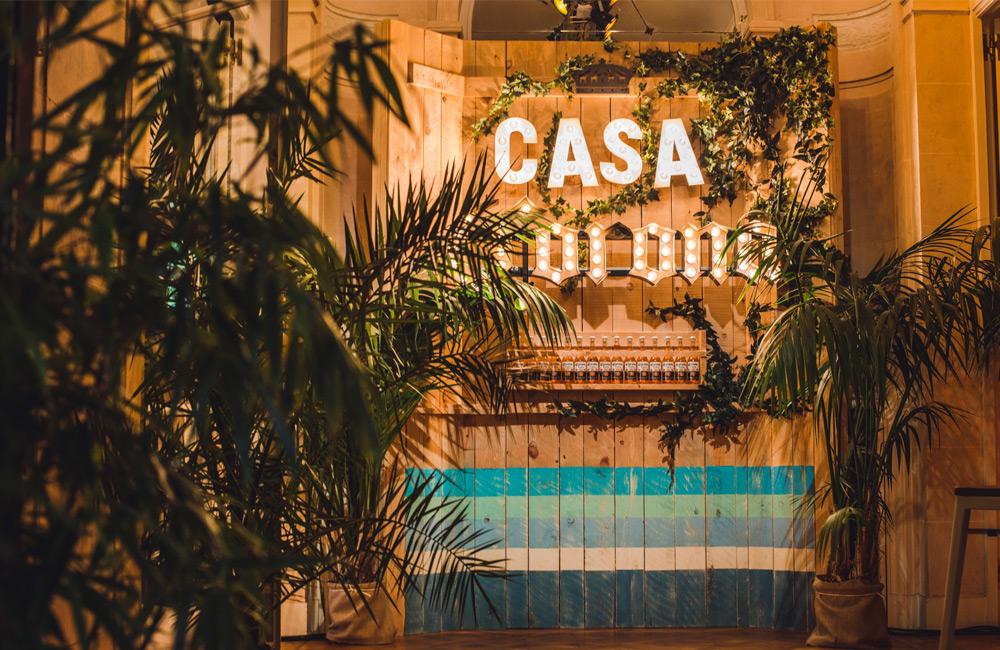 Casa Corona: le pop-up bar qui rafraîchit Bruxelles