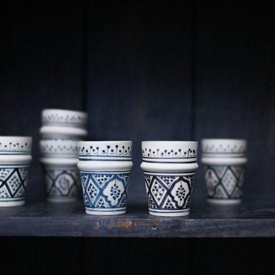 Lot de 4 tasses en céramique esprit marocain à motif noir