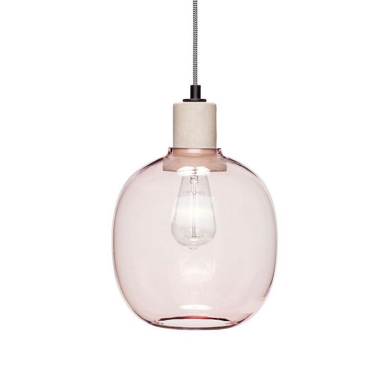 Suspension globe en verre rose clair