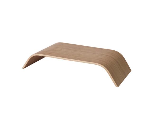 Support pour écran en placage bambou (L 53 x l 24 x H 10 cm), Ikea, 19,99€