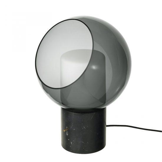 Lampe de table 'EVEDAL' globe en verre gris (H 39,4 cm), IKEA, 149€