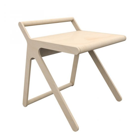 Bureau 'K Desk' en contreplaqué de bouleau (L 80 x l 75 x H 75 cm), design Agata & Arek Seredyn, Rafa Kids, 691€