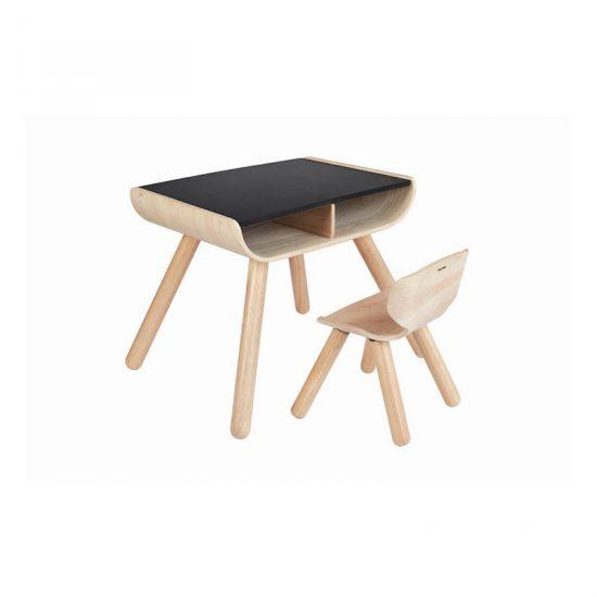 Bureau pour enfant en bois avec plateau ardoise (52 x 48,8 x 43,8 cm), Plan Toys, 160€