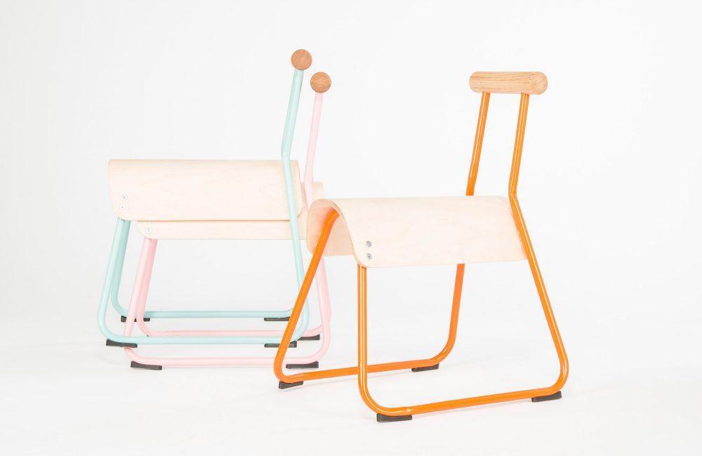 Le designer Masahiko Ito réinvente la chaise d'écolier