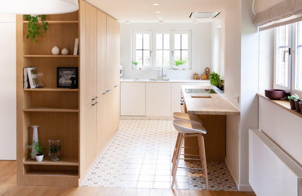 Avant / Après : une cuisine ouverte, lumineuse et conviviale
