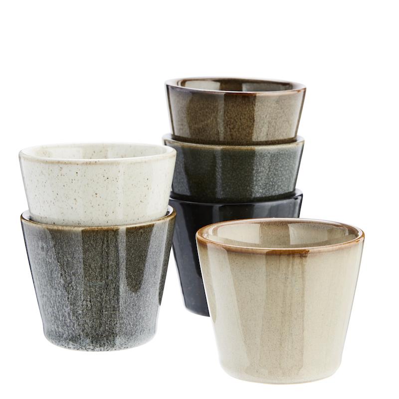 Lot de 6 tasses en grès (7 x 6 cm), Madam Stoltz, 22€