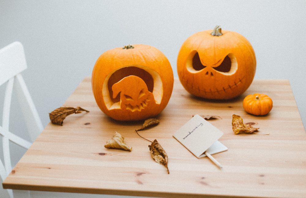 12 idées créatives pour décorer une table d'Halloween
