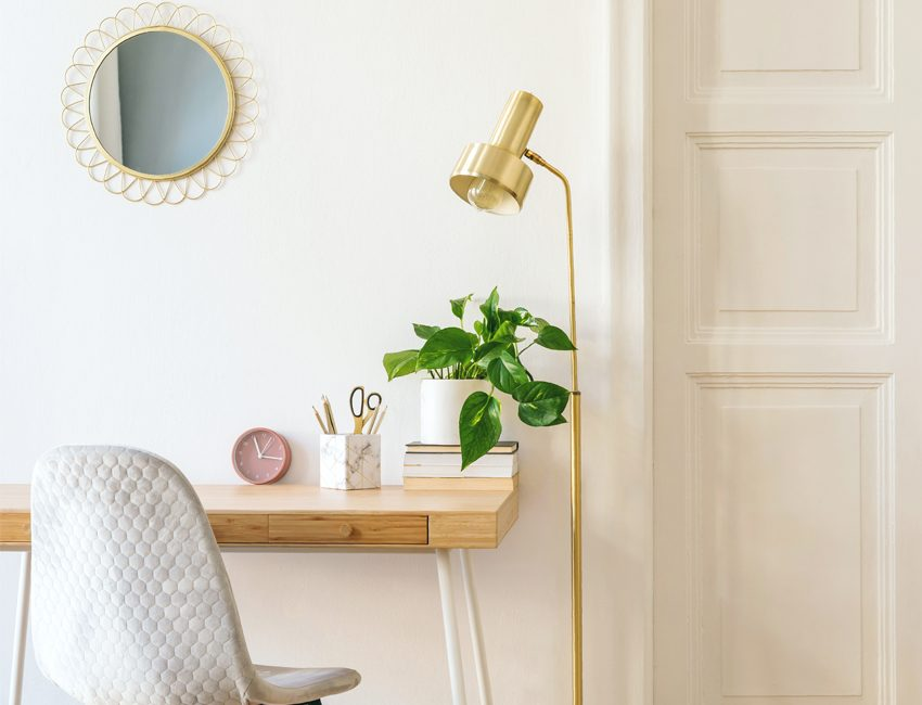 bureau decoration doree
