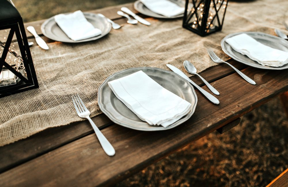 7 essentiels pour une table de Noël douce et naturelle