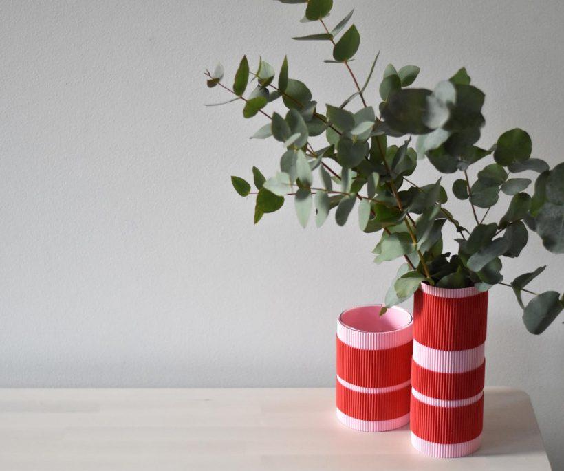 DIY : une seconde vie pour nos vases avec du carton ondulé