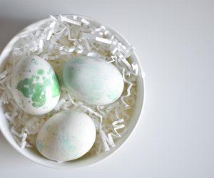 DIY: des œufs effet aquarelle pour Pâques