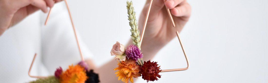 DIY : des fleurs séchées au mur