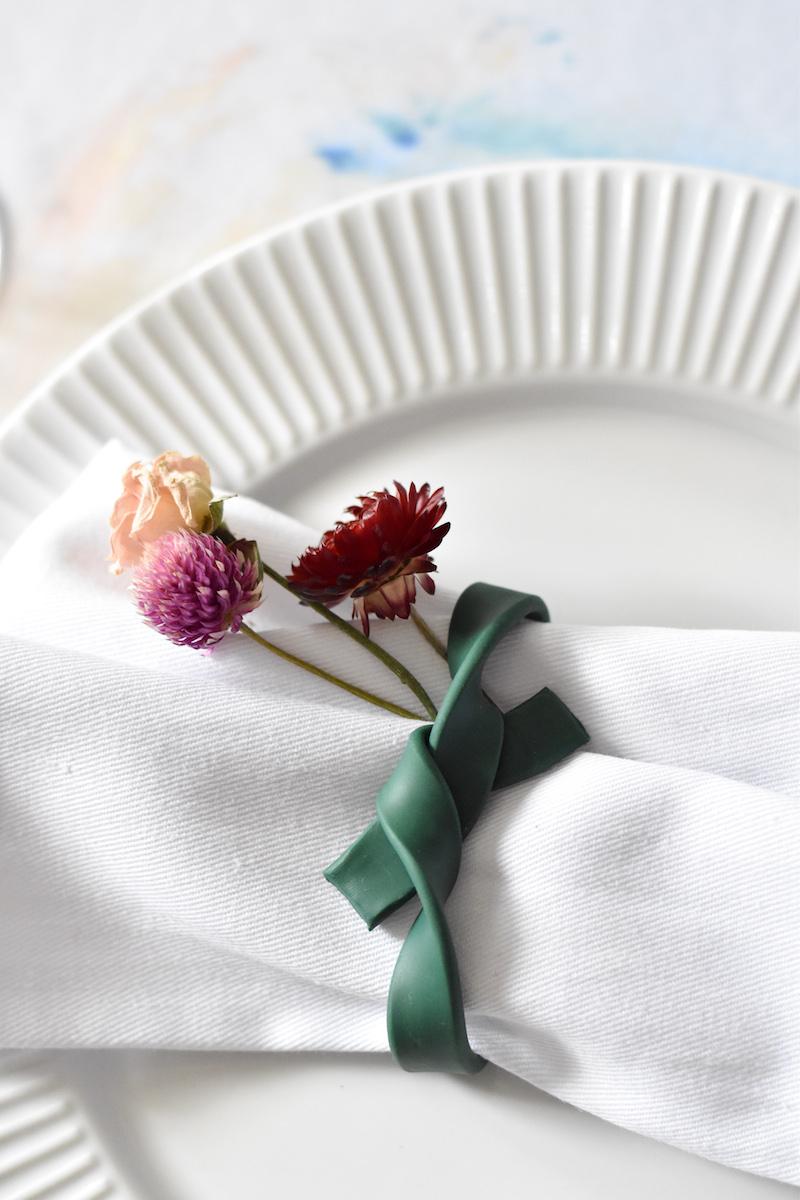 DIY : des noeuds de serviettes estivaux - Déco Idées