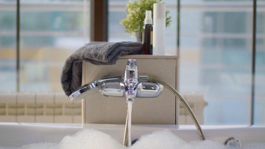 Une eau douce pour une peau moins irritante.