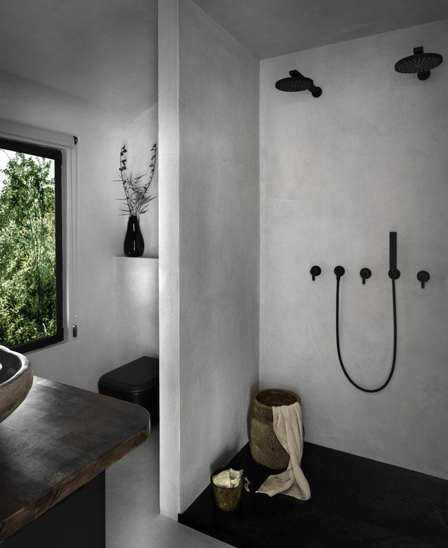 La salle de bains après les rénovations.