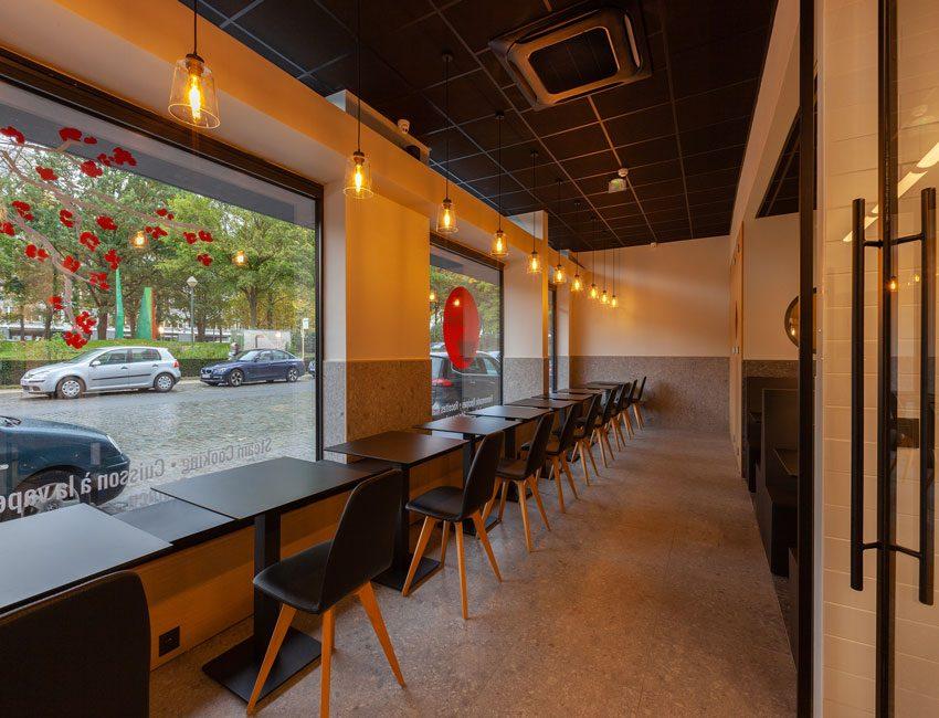 la salle du restaurant ozawa à bruxelles