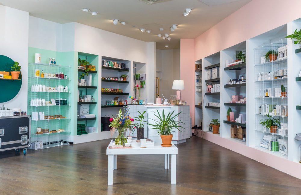 Le décor rétro et coloré du concept store Clothilde