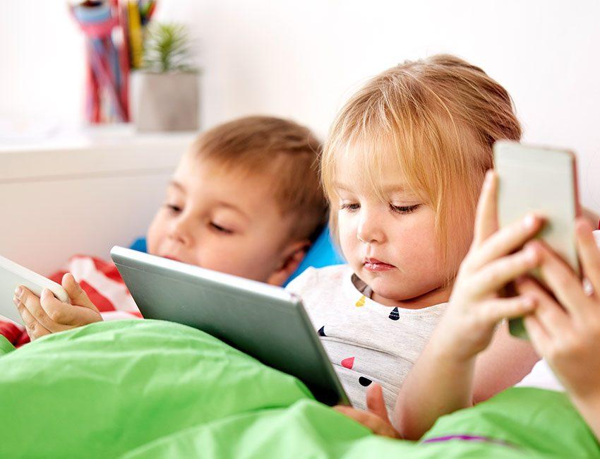 enfants tablette smartphone
