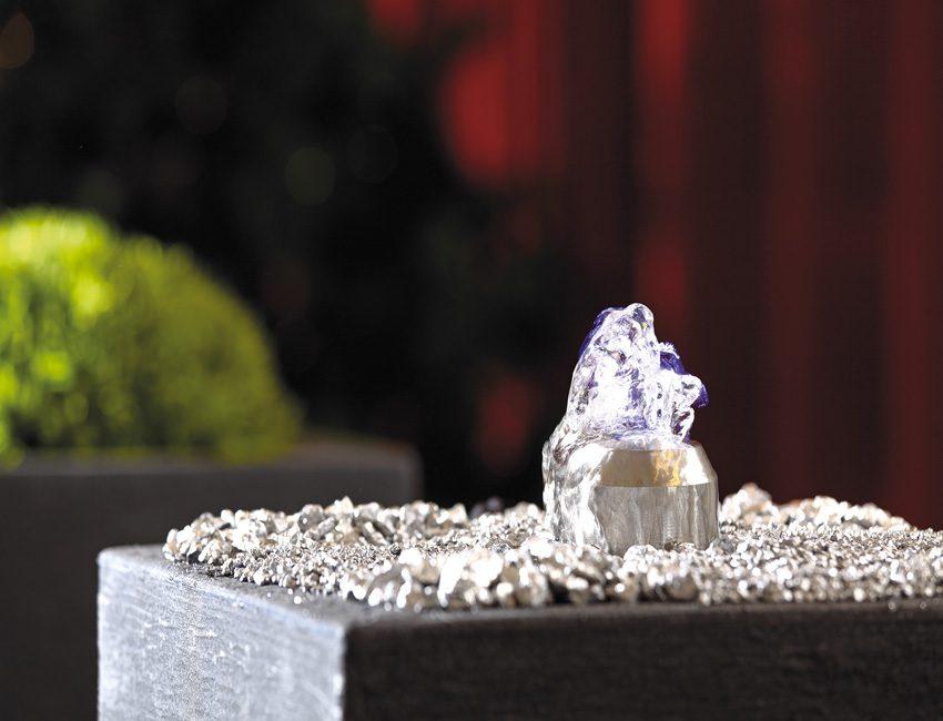 verlichte waterfontein OASE