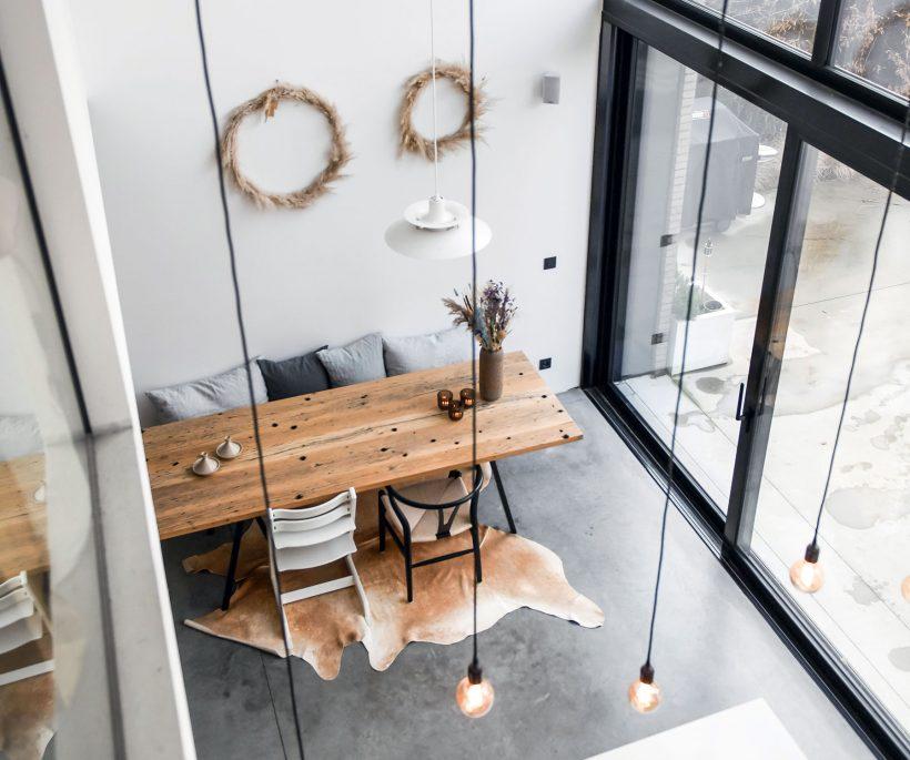 À Anvers, visite d'une maison minimaliste et chaleureuse