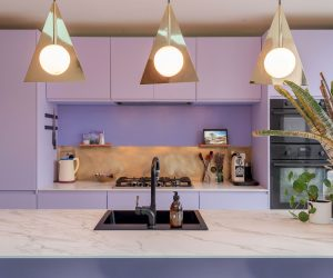 À Londres, visite d'une maison aux couleurs fantaisistes