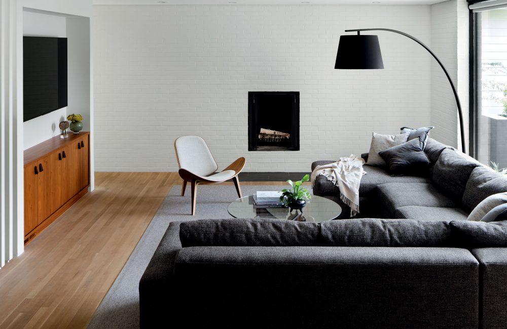 Avant / Après : l'incroyable changement d'époque d'une maison moderniste